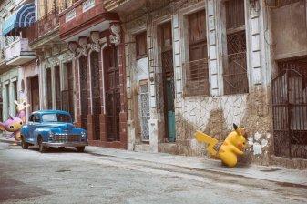 detective_pikachu_artwork_real_life_ryme_city_aipom_and_detective_pikachu_investigating