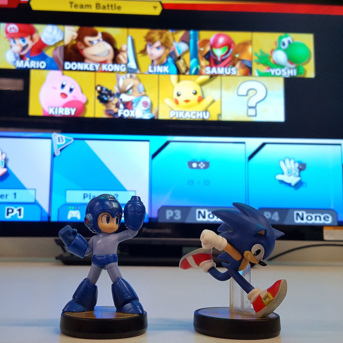 Sonic The Hedgehog And Mega Man Are Trying To Recruit